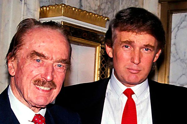 Дональд Трамп со свои отцом Фредом Трампом