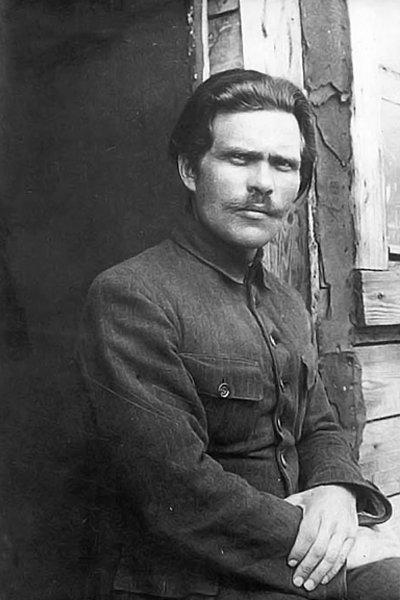 Нестор Иванович Махно в лагере для перемещенных лиц. Румыния, 1921 год
