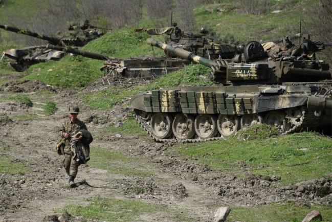 На границе Азербайджана и Армении вспыхнули боевые действия