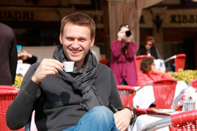 Навальному пригрозили заменить условный срок на реальный