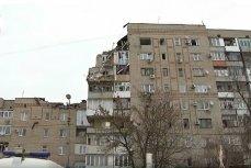 Обрушившийся подъезд в доме по улице Хабарова в городе Шахты