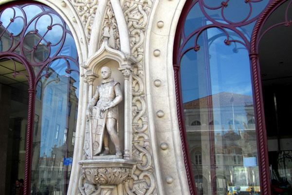 Архитектура португальских старинных зданий.