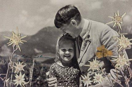 Адольф Гитлер с Розой Берниль Ниенау