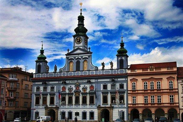 Навыборах впарламент Чехии лидирует движение ANO
