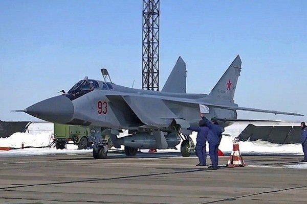 Экипаж МиГ-31 во время тренировки