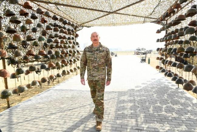В Баку открылся Парк военных трофеев больше похожий на военные ужасы