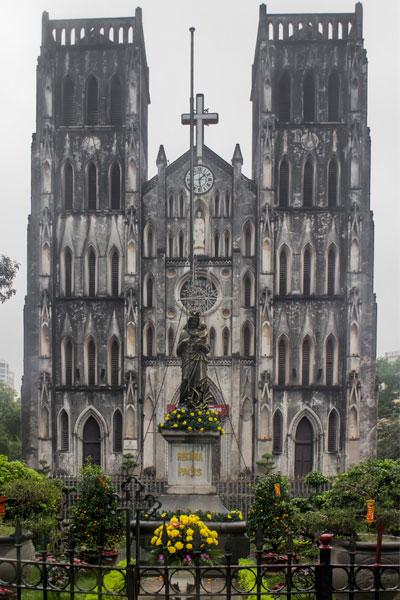Церковь святого Иосифа (St Joseph's Cathedral) в Ханое.