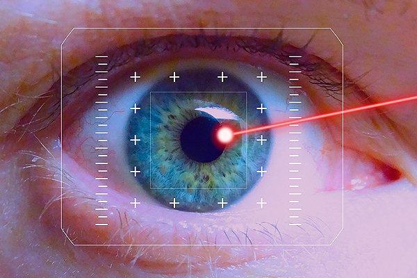 Лазерное оружие поражающее сетчатку глаза