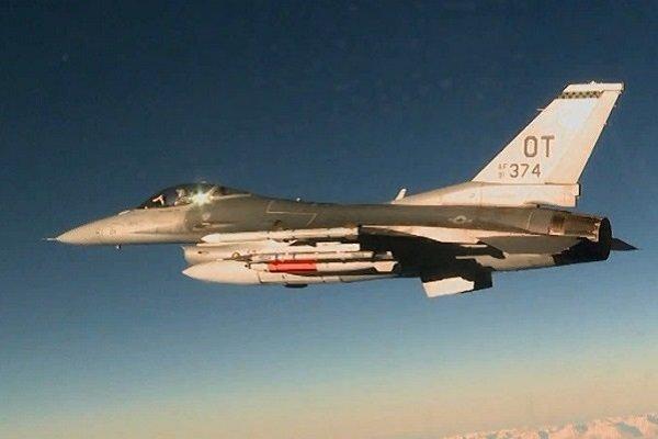 Истребитель F-16C запустил термоядерную испытательную бомбу B61-12 в Неваде 14 апреля 2017 года