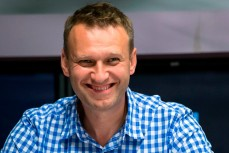 Российский оппозиционер, глава «Фонда борьбы с коррупцией» Алексей Навальный пришёл в себя