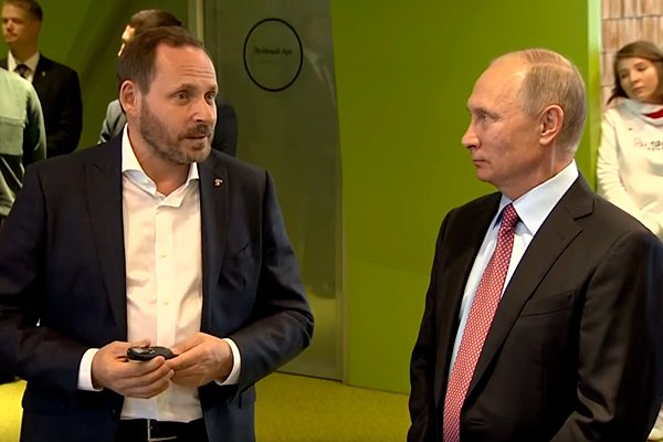 Владимир Путин и Аркадий Волож в офисе «Яндекса»
