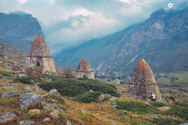 Верхнечегемские могильники с видом на село Эльтюбю