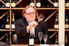 Жерар Депардье на дегустации вин