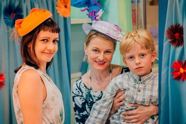 Мамы в шляпках