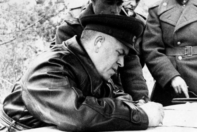 Жуков Георгий Константинович, Советский полководец. Маршал Советского Союза, четырежды Герой Советского Союза, кавалер двух орденов «Победа», множества других советских и иностранных орденов и медалей.