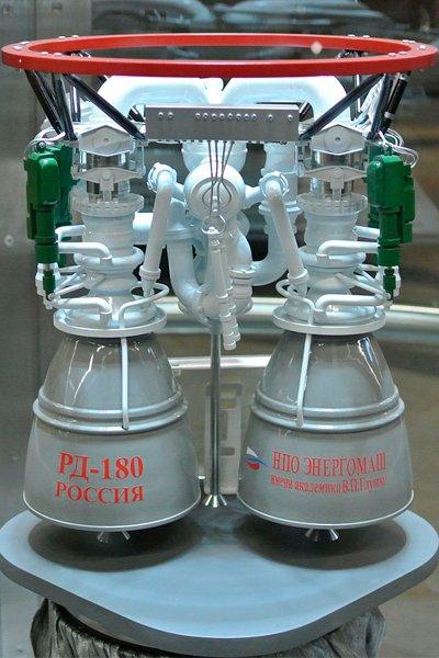Модель ракетного двигателя РД-180