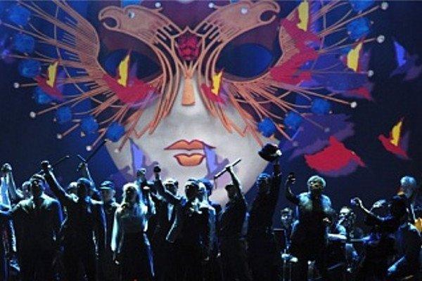 В столице врамках фестиваля «Золотая Маска» детский хор спел вметро