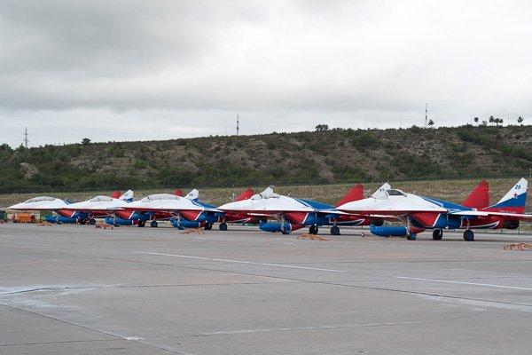 МиГ-29 - самолёты пилотажной группы «Стрижи»