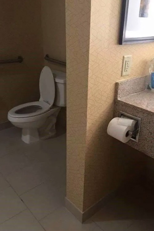 Оригинальный подход в туалете