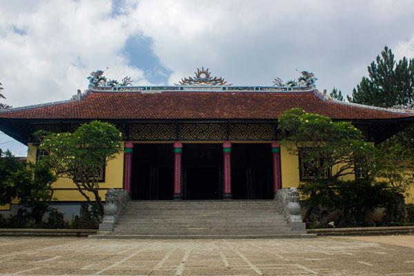 Пагода Линь Шон (Chua Linh Son) Далат, Вьетнам.