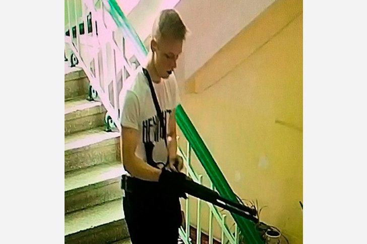 Владислав Росляков расстреливает своих сокурсников в техникуме