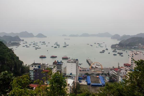 Остров Cat Ba. Вид со смотровой площадки Хо Ши Мина.