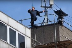 Том Круз во время съемок Миссия невыполнима 6