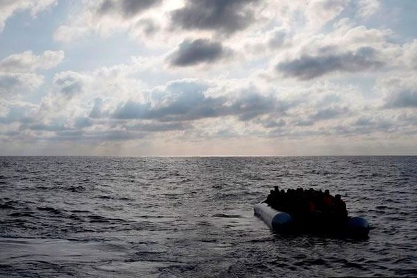 Мигранты с Африки в Европу.