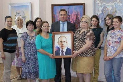 Передача портрета музею Барнаула.