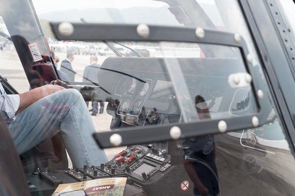 Лёгкий многоцелевой вертолёт Ансат, кабина пилота