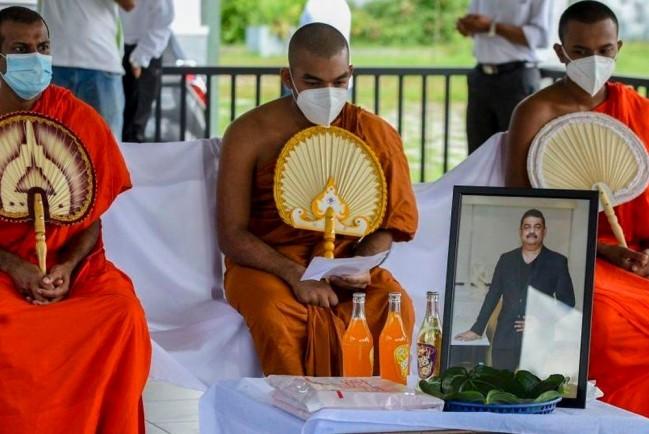 """На Шри-Ланке от короны умер создатель """"зелья"""" от коронавируса"""