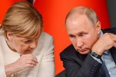 Меркель потребовала у Путина свернуть военное присутствие у границ Украины