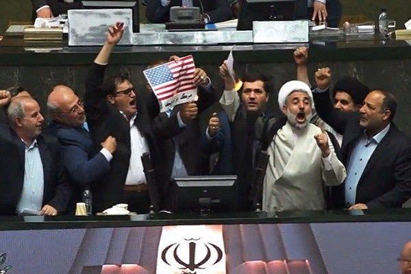 Депутаты в Тегеране