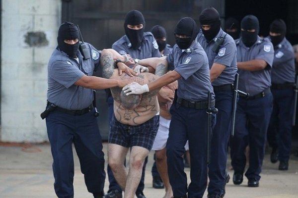 Члены группировки MS-13 в тюрьме особого режима в Сальвадоре
