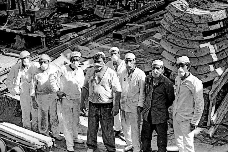 Аварийные работники на Чернобыльской атомной станции