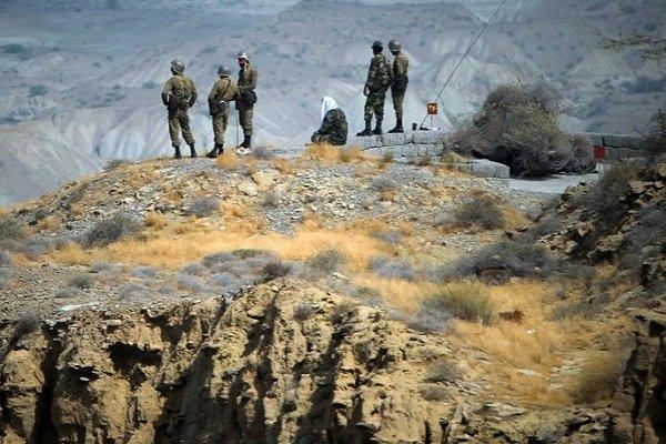 Солдаты Революционной гвардии Ирана в Ормузе, на юге Ирана, 24 апреля 2010 года