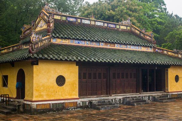 Здание гробницы императора Ты Дыка (Lăng Tự Đức). Вьетнам.