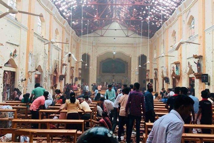 Взрыв в церкви на Шри-Ланке, все стены здания повреждены осколками