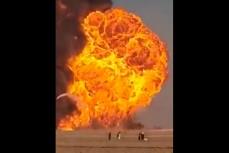 Эпичный взрыв бензовозов на пограничном переходе в провинции Герат между Афганистаном и Ираном.