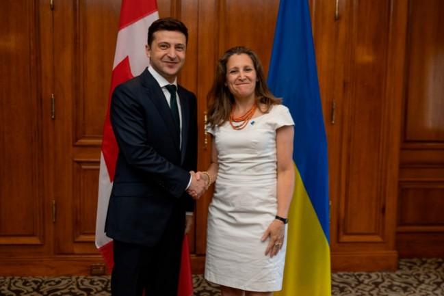 Президент Украины Владимир Зеленский и министр иностранных дел Канады Христя Фриланд