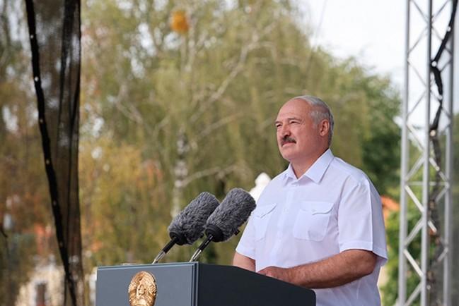 Президент Беларуси Александр Лукашенко на митинге