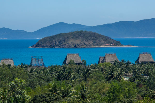 Курортный Нячанг. Домики у моря. Вьетнам.