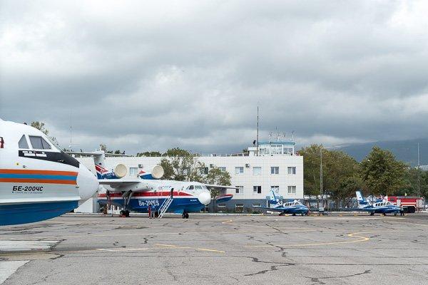 Самолёты-амфибии Бе-200 ЧС иБе-103