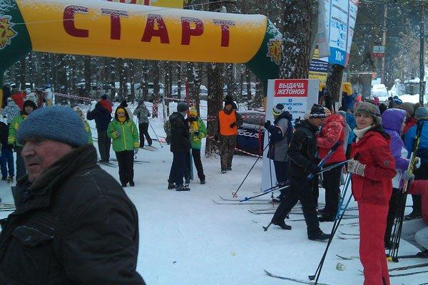 Лыжный забег в ленточном бору. Барнаул. Старт.