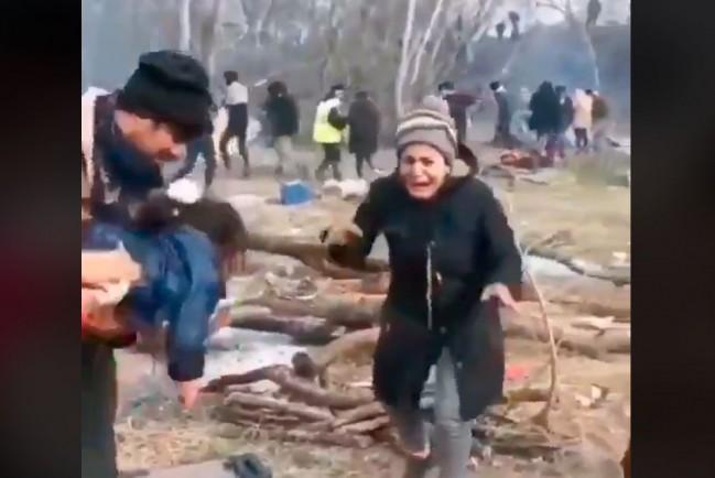 Сирийские мигранты заставляют плакать детей, чтобы им разрешили пересечь границу