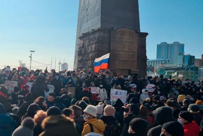 Начались задержания на акциях протеста в поддержку Навального