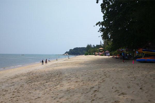 Самый популярный пляж Пенанга  - это Бату Феринги (Batu Feringghi).