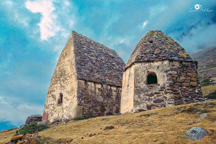 Древние могильники в Чегемском ущелье