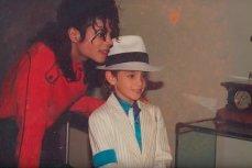 Майкл Джексон со своим маленьким другом