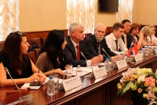 Заместитель Министра здравоохранения Дмитрий Костенников встретился с делегацией Китайской народной республики